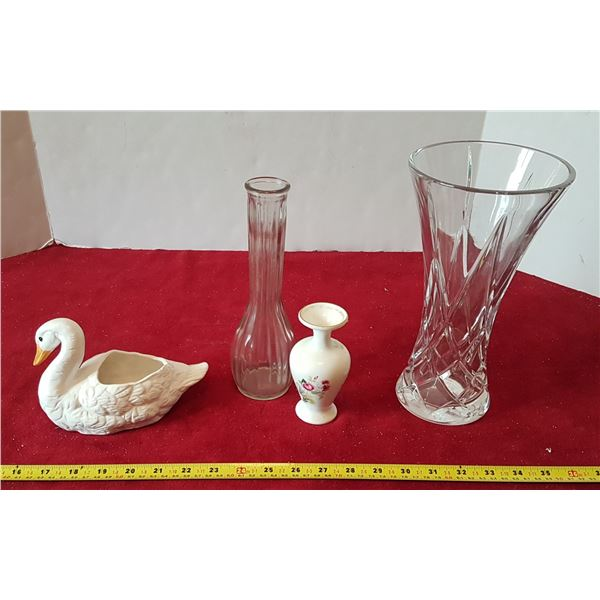 Lot of Vases & Home Décor