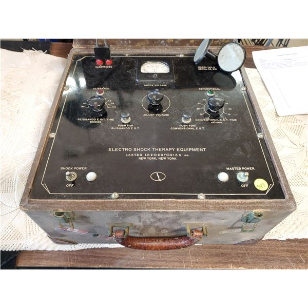 ELECTRO SHOCK THERAPY UNIT IN CASE -LEKTRA LABORATORIES INC