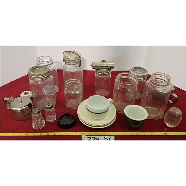 Lot Vintage Glassware