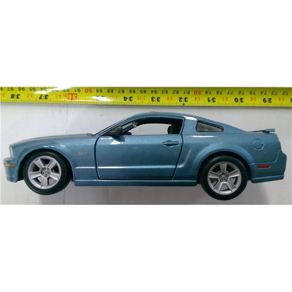 2000 Mustang GT 1/24 Scale Diecast