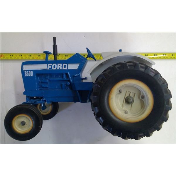 """ERTL Ford 8600 Tractor 12"""" Long"""