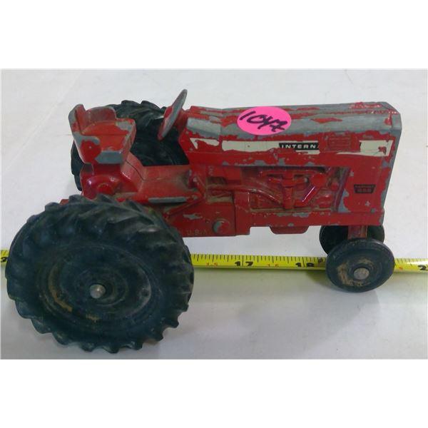 """International Diecast Tractor 6"""""""