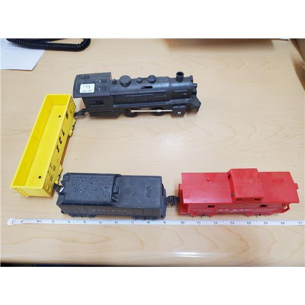 4 model train cars
