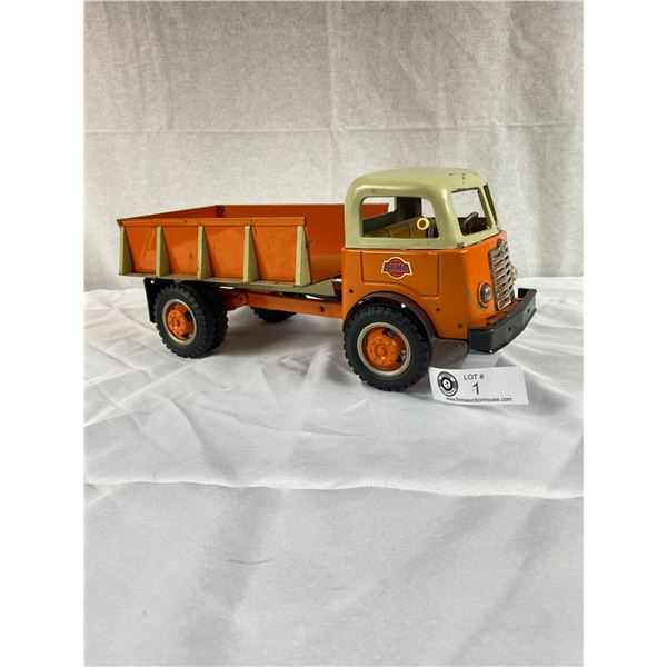 Hard to find Vintage Gama Dump truck in Good Condition