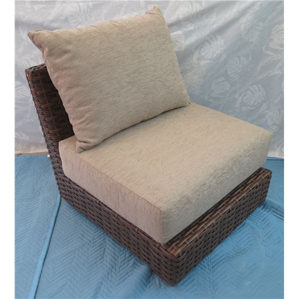 Woven Lounge Chair w/ Cushions 30  x 29  x 30  Back Ht.