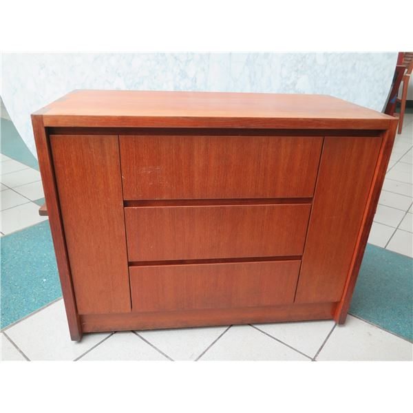 """Wooden Cabinet w/ 2 Doors & 3 Drawers 39""""x19""""x31""""H"""