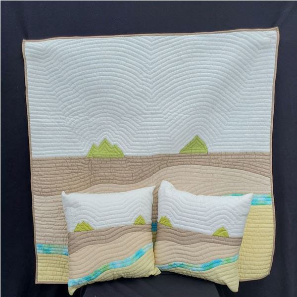 Wall hanging Quilt, Pillows, & inserts from Hawaiian Quilt Collection (New)