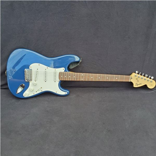 Refurbished Stratocaster, Skeleton & Michael Amott Wah Pedals & Strings