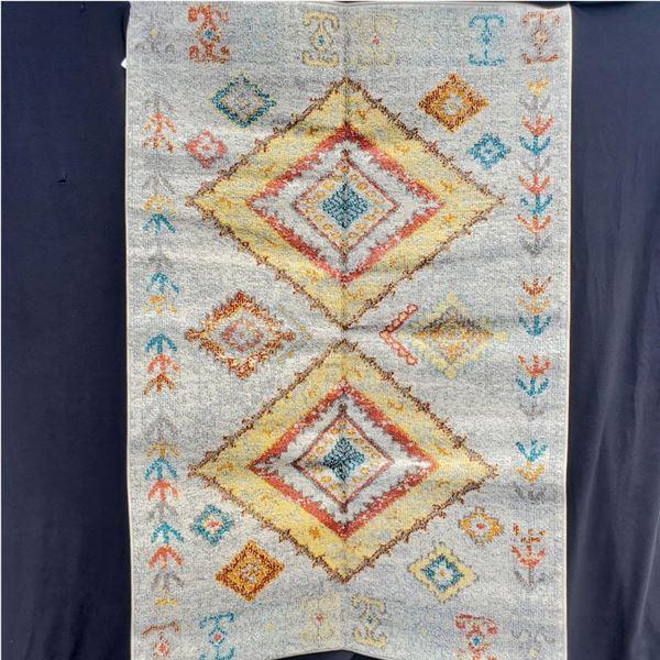 4' x 6' Ivory color Turkish Rug