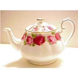 Royal Albert Lge.Teapot OLD ENGLISH ROSE  #1762544