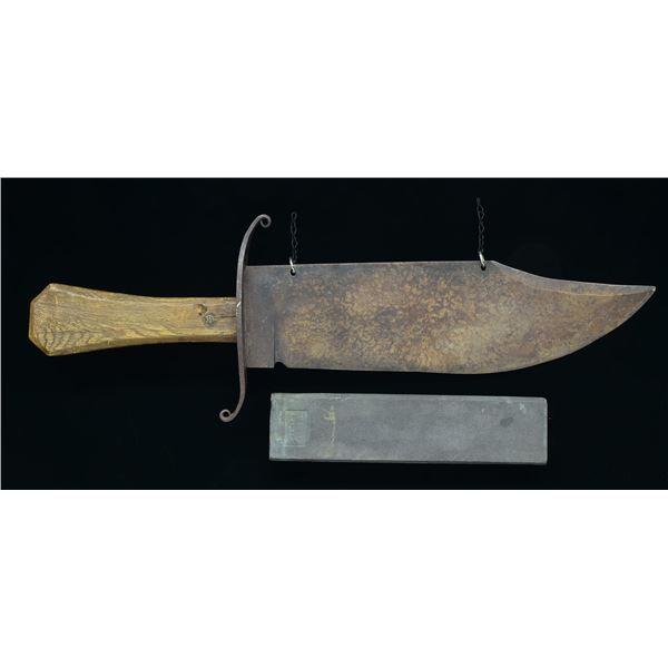LARGE KNIFE MAKER'S SIGN.