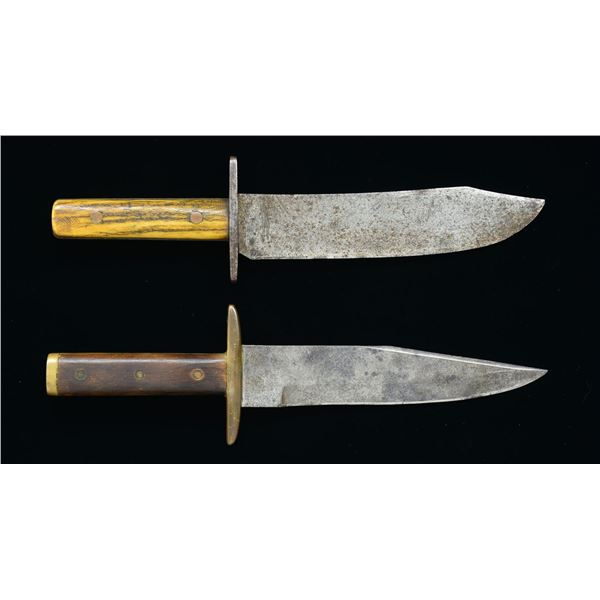 PAIR AMERICAN STYLE CLIP POINT BOWIES.