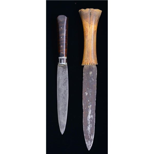PAIR OF PRIMITIVE AMERICAN INDIAN STYLE KNIVES.