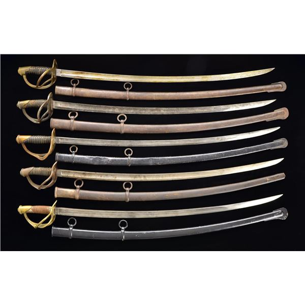 GROUP OF 14 CIVIL WAR CAVALRY SABERS.