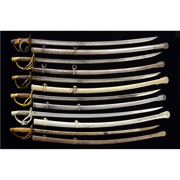 GROUP OF 13 CIVIL WAR CAVALRY SABERS.