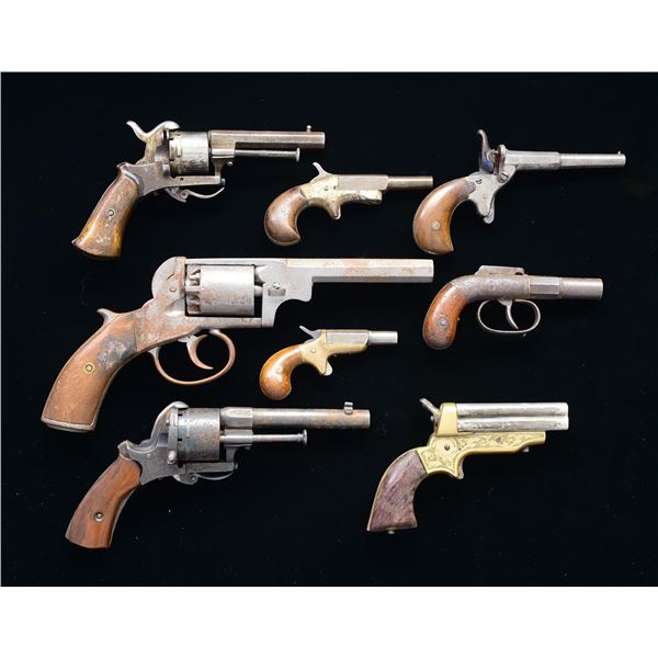 GROUP OF 8 SMALL ANTIQUE PISTOLS.