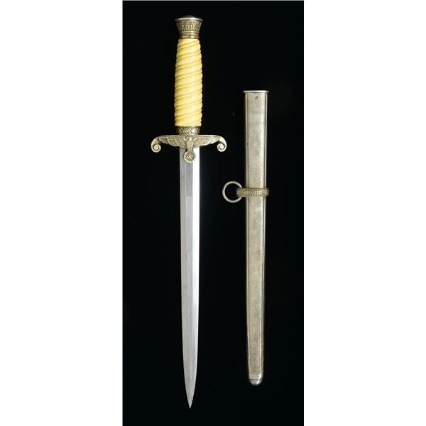 TIGER WWII GERMAN ARMY OFFICER'S DAGGER.