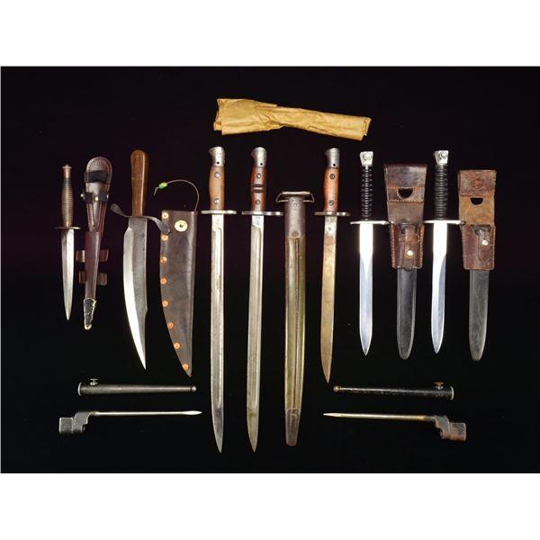 BAYONETS & KNIVES OF THE WORLD.