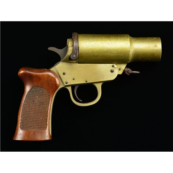 WWII ERA H&R MODEL MKIII A FLARE GUN.