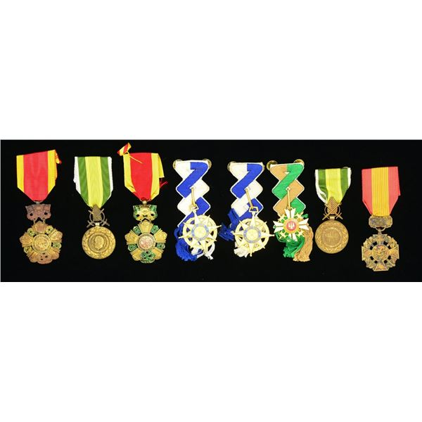 6 SOUTH VIETNAMESE MILITARY MEDALS.