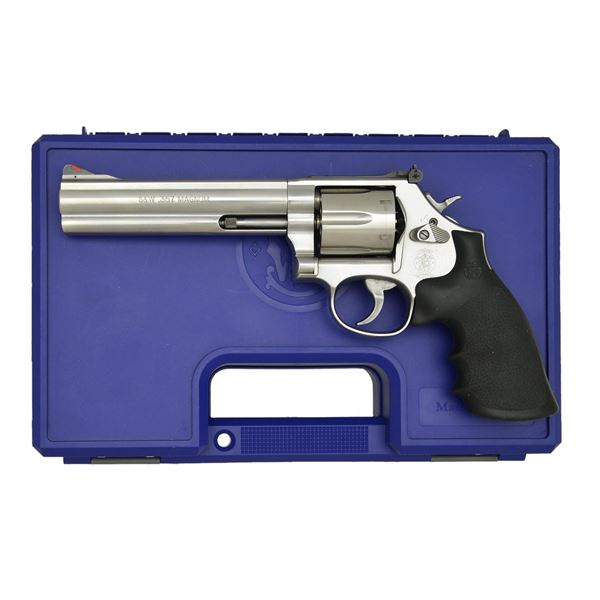 SMITH & WESSON MODEL 686-6 DA REVOLVER.