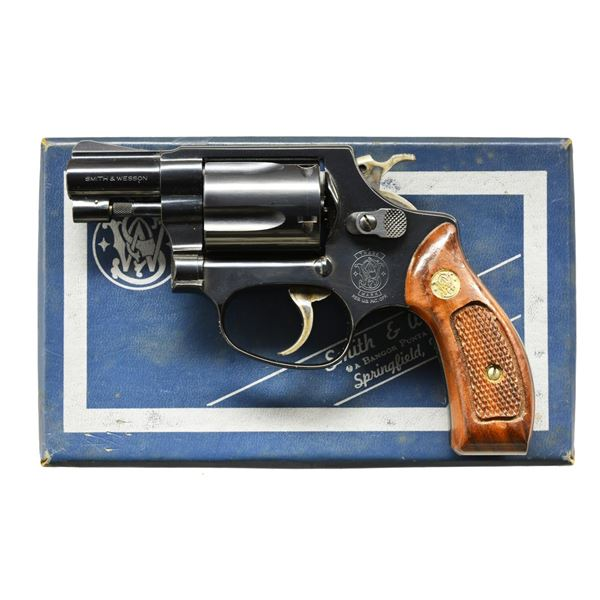 SMITH & WESSON MODEL 36-7 DA REVOLVER.