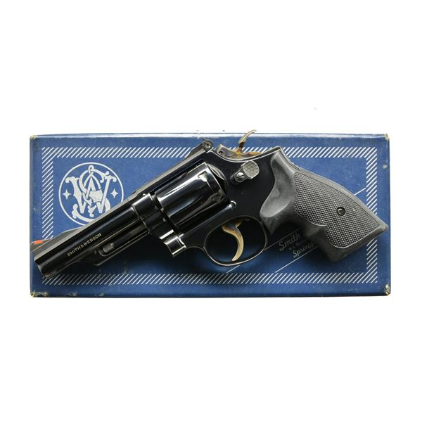 SMITH & WESSON MODEL 19-3 DA REVOLVER.