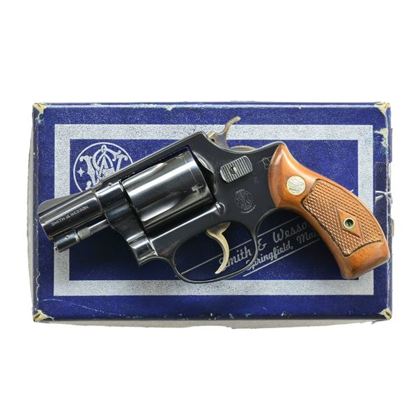 SMITH & WESSON MODEL 36 DA REVOLVER.