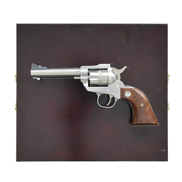 """SCARCE RUGER STAINLESS 4 5/8"""" BICENTENNIAL SINGLE-"""