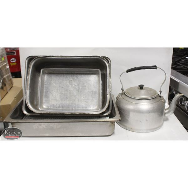 LOT OF ASSORTED  ALUMINUM ROASTING PAN & KETTLE