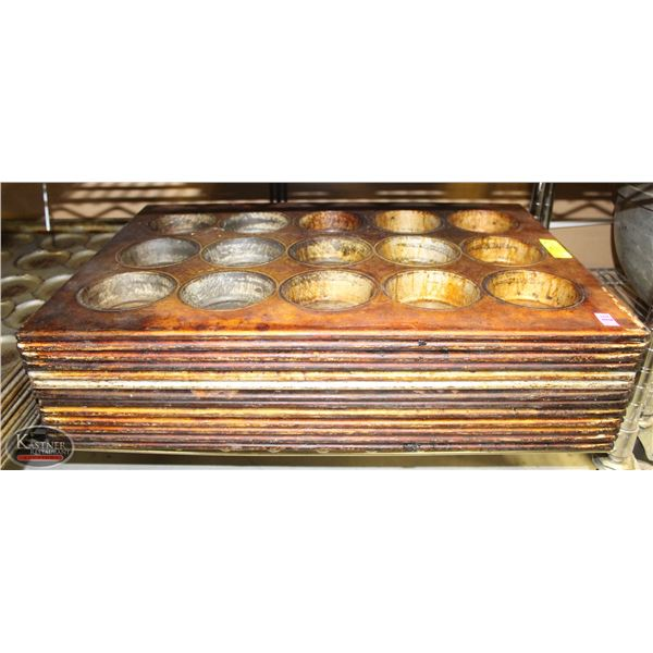 GROUP OF 13 LARGE MUFFIN PANS