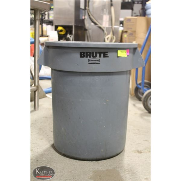 BRUTE RUBBERMAID GREY TRASH CAN 20 GAL
