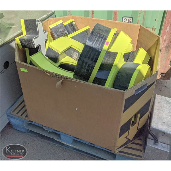 PALLET OF ASSORTED GREEN LETTER SIGNAGE