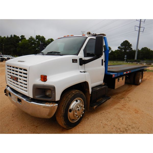 2004 GMC C7500 Rollback Truck