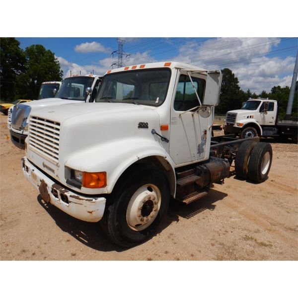 1999 INTERNATIONAL 4700 Cab and Chassis Truck