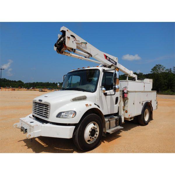 2013 FREIGHTLINER M2 Bucket Truck