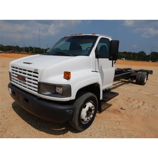 2005 GMC C5500 Cab and Chassis Truck