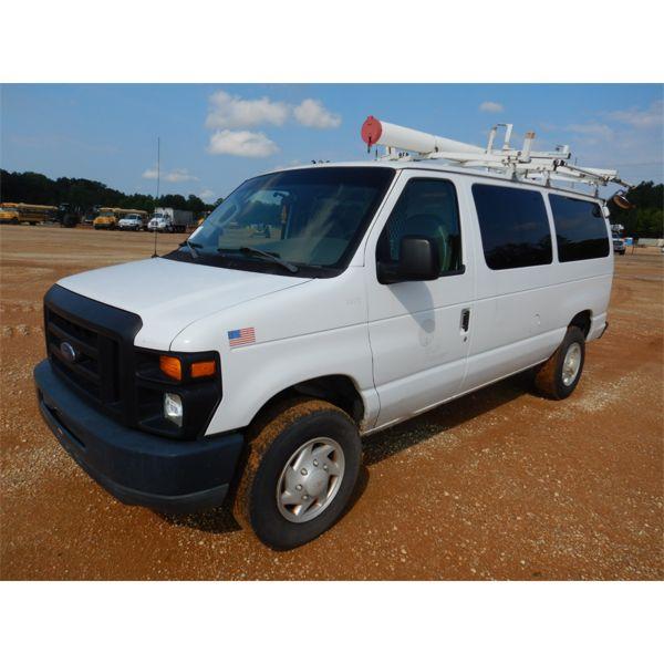 2008 FORD E350 Cargo Van