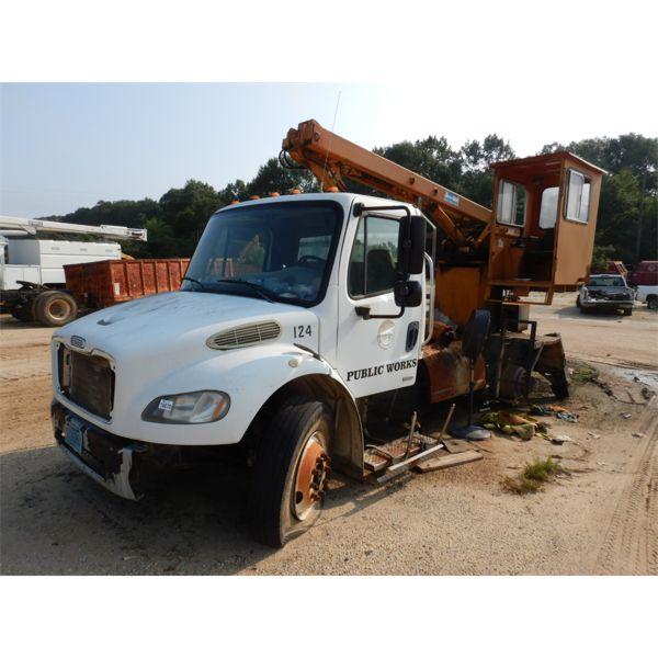 2010 FREIGHTLINER M2 Grapple Truck