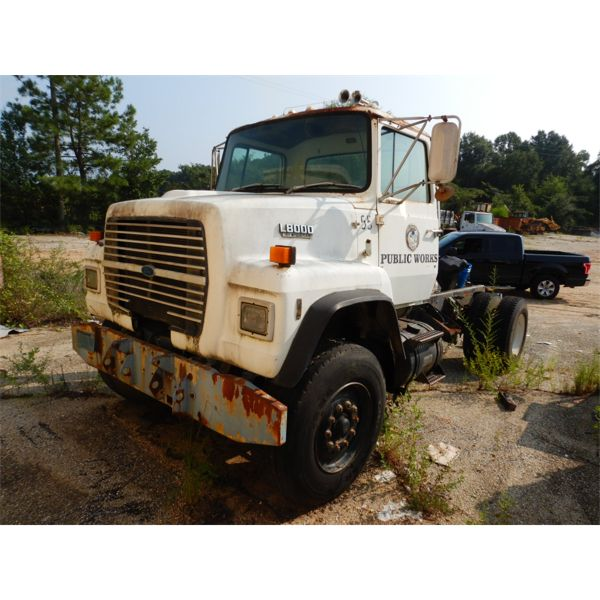 1987 FORD L8000 Day Cab Truck