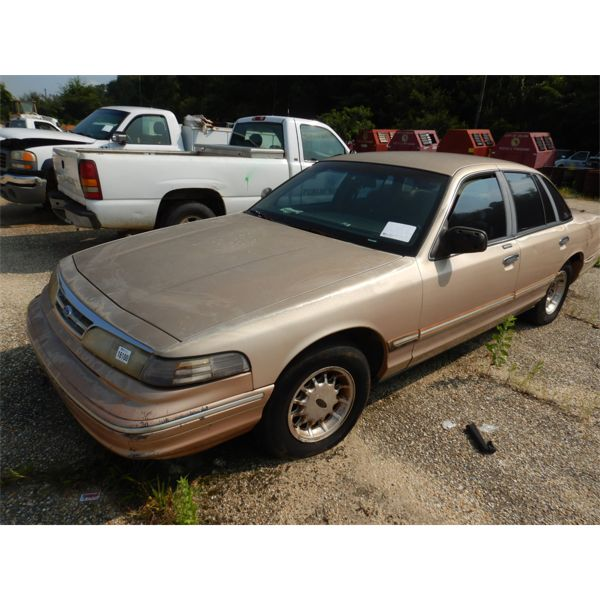 1996 FORD CROWN VICTORIA Automobile