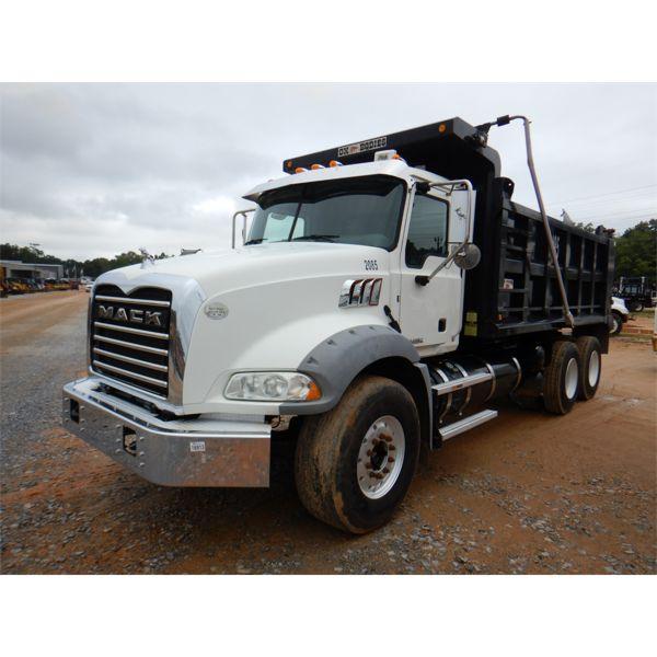 2016 MACK GU813 Dump Truck