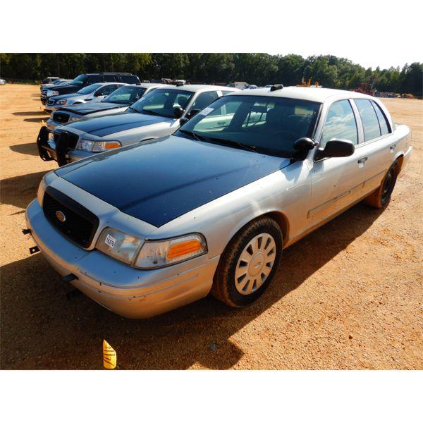 2010 FORD CROWN VICTORIA Automobile