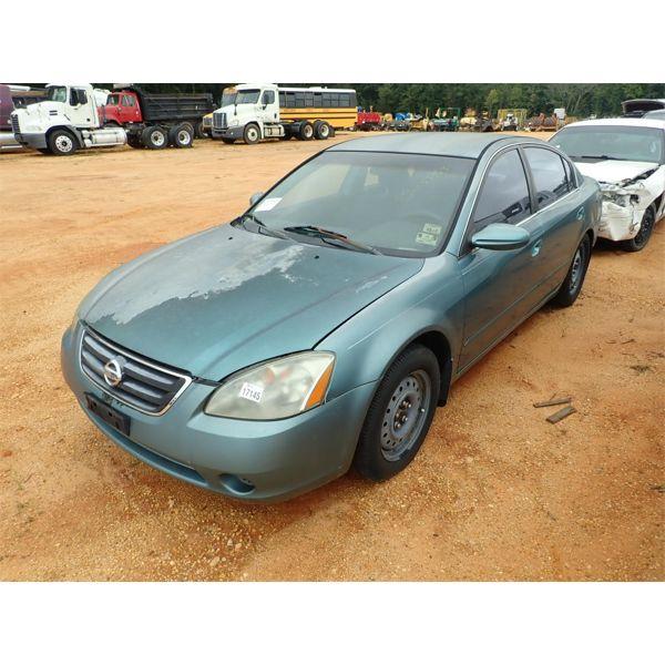 2002 NISSAN ALTIMA Automobile