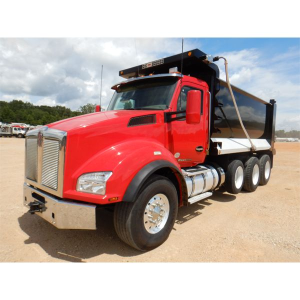 2016 KENWORTH T880 Dump Truck