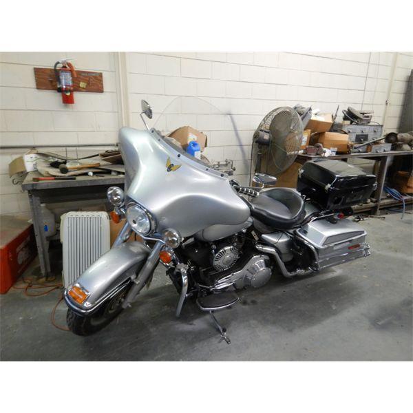 2006 HARLEY DAVIDSON POLICE MOTORCYCLE Automobile