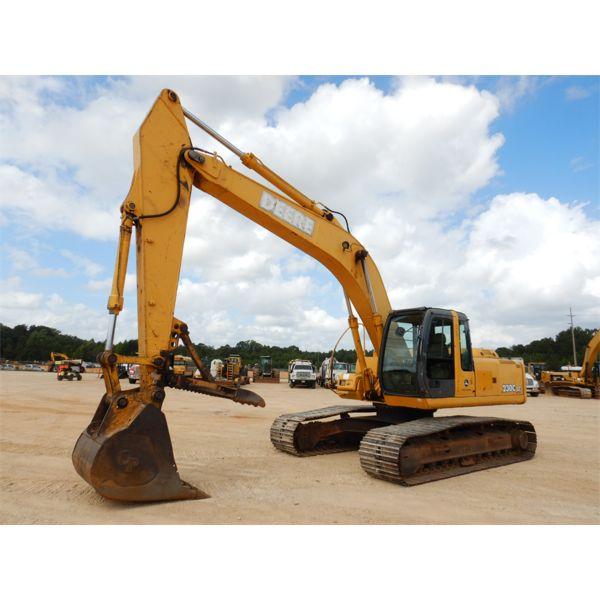 JOHN DEERE 230C LC Excavator