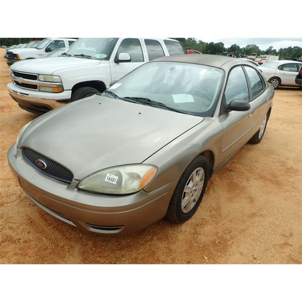 2005 FORD TAURUS Automobile
