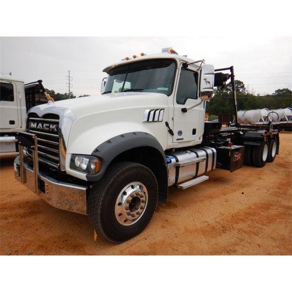 2021 MACK GR64F Roll Off Truck