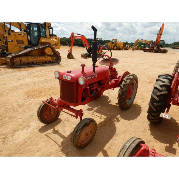 INTERNATIONAL HARVESTER F-CUB Farm Tractor